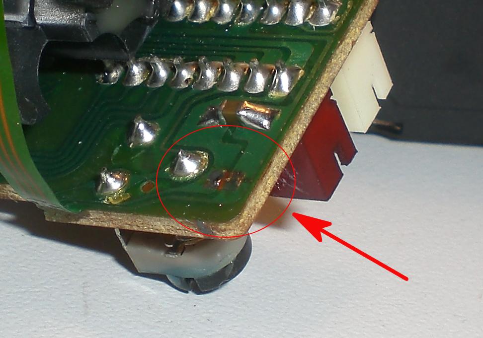 Removed solder bridge in detail